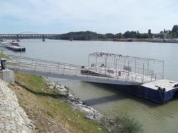 Foto di Bratislava (fiume Danubio)