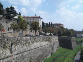 Foto di Bergamo (veduta dalle Mura Venete della Città Alta)