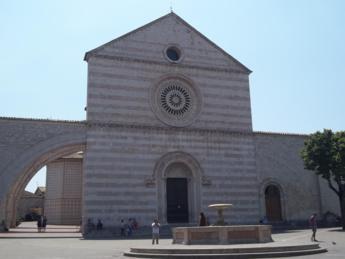 Foto di Assisi (PG) - Basilica di Santa Chiara