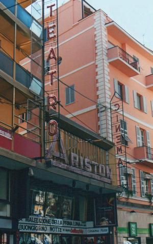 Foto di San Remo (IM) -Teatro Ariston-