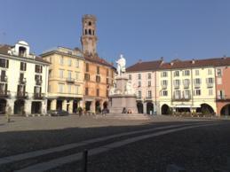 Foto di Vercelli (Piazza Cavour)