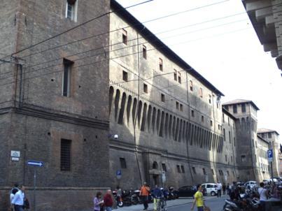 Foto di Bologna (Palazzo Comunale visto da Via Giacomo Venezian)
