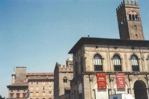 Foto di Bologna (Palazzo del Podestà in Piazza Maggiore)