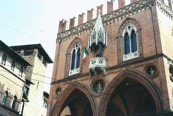Foto di Bologna (Palazzo della Mercanzia)